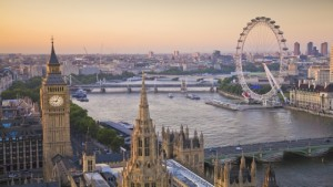 houses-of-parliament-and-london-eye-on-thames-from-above-640